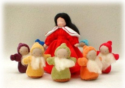Evi Snow White & Seven Dwarves Dolls Set $66