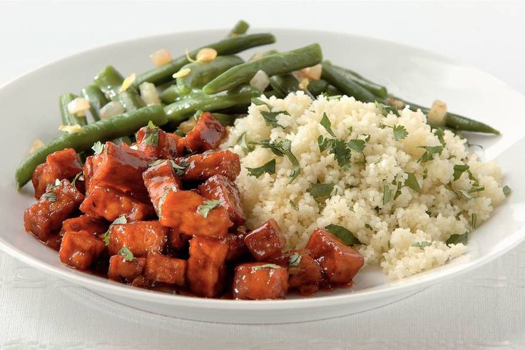 Pittige tofu met koriandercouscous