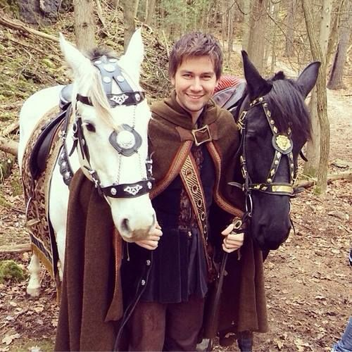 Torrance Coombs (Bash) on the set of Reign!-didn't think he could get much hotter until i saw him with horses!