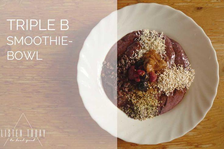 Met deze supergezonde smoothie-bowl begin je de dag perfect. Tover het in 15 minuten op tafel (let op, je moet bepaalde ingrediënten wel een nacht laten weken) en je hebt je dagelijkse portie groenten en fruit alweer binnen. Terwijl het lijkt alsof je een ijsje eet! Bekijk het recept op Listen Today (online platform voor yoga, meditatie en gezond eten).