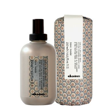 #MoreInside. This is a Sea Salt Spray. Styling spray made of sea salt that gives the hair colourings fullness and body with a matte finish. Benefits: adds texture, extreme volume, light control, dry effect. It gives an untidy and beachy look with body while minimizing the electrostatic effect.