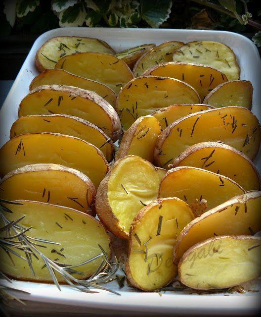 Vegyes saláta: Rozmaringos krumpli