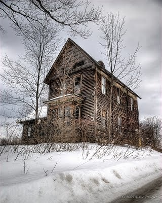 There's an abandon house like this not far from here. Would love