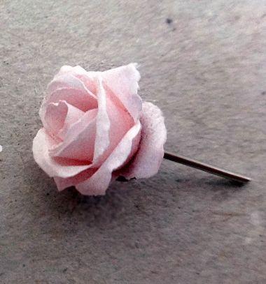 DIY Rose earring studs from paper (jewelry making) // Rózsa alakú pont fülbevaló papírból egyszerűen (ékszerkészítés) // Mindy - craft tutorial collection