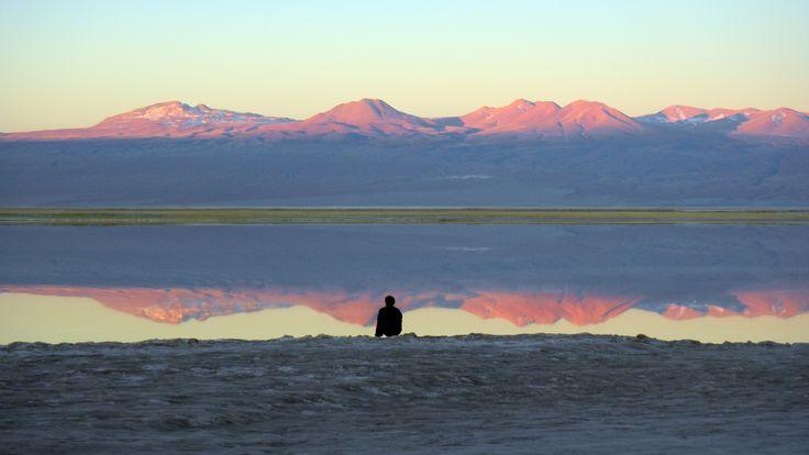 Puesta de sol en la Laguna Tebinquinche. Foto de Eduardo Sanhueza Mendez.
