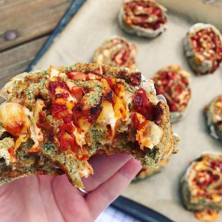 MUUUUMS! Jeg eksperimenterede lidt i køkkenet i dag, hvilket resulterede i sunde grove pizzasnegle med spinat. Hold nu k*ft de blev gode! Du skal bruge...