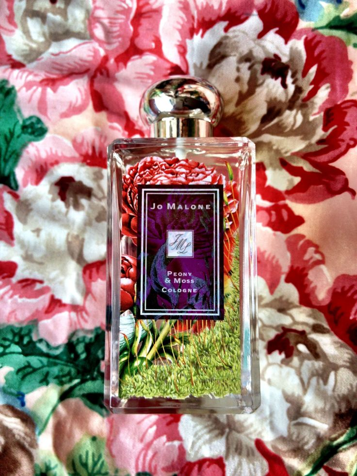 Jo Malone Peony & Moss. Jo Malone announced a new collection of limited fragrances named London Blooms, coming out in March 2012. London Blooms collection was inspired by the art of botanical gardening and beautiful English lawns. The collection presents three fragrances signed by Christine Nagel: Peony & Moss, White Lilac & Rhubarb and Iris & Lady Moore. Their floral compositions are created with the aim to provoke feelings of happiness, romance and good mood.