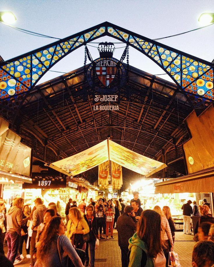 Mercat de la Boqueria #Barcelona.  http://blog.favoroute.com/visit-the-best-street-markets-in-the-world/