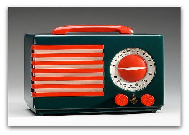 Beautiful art deco radio methuselahpalooza