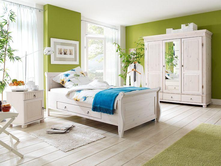 Massive Schlafzimmermöbel #Schlafzimmer #Bett #Massivholzbett # Kleiderschrank #Kommode #Massivholz #massiv
