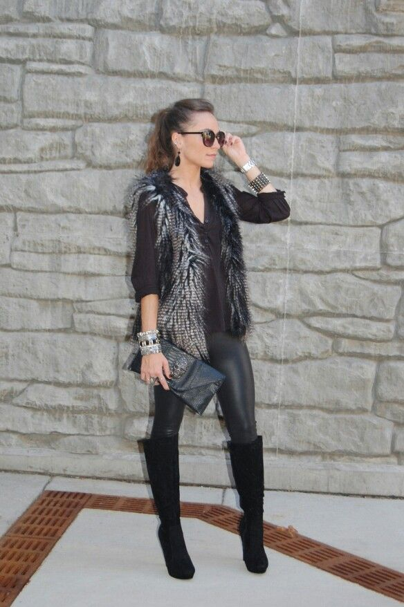 Lovveee thiss outfit i wanna fur vest. fall