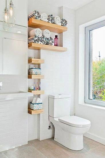 收納方案中,最靈活最方便的無疑是裝上層板了。但是記得自己在家使用一定要善用收納盒啊~不同款式的收納盒可以讓空間感覺看起來更豐富外~最重要的是畢竟家裡不是飯店~不會有人每天來幫你整理清潔浴室~比較不會藏污納垢對吧