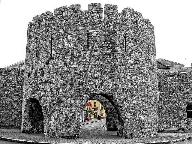 ~ Tenby gate ~ showing the five arches of this gated city ~ pass under it to reach the shops ~