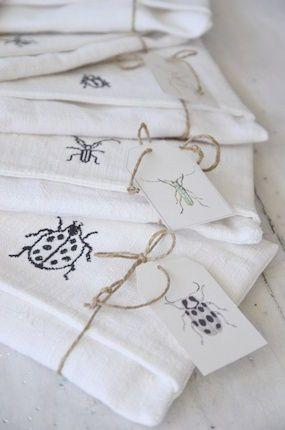 Vintage linen napkin pockets (pochettes pour serviettes) embroidered with little bugs