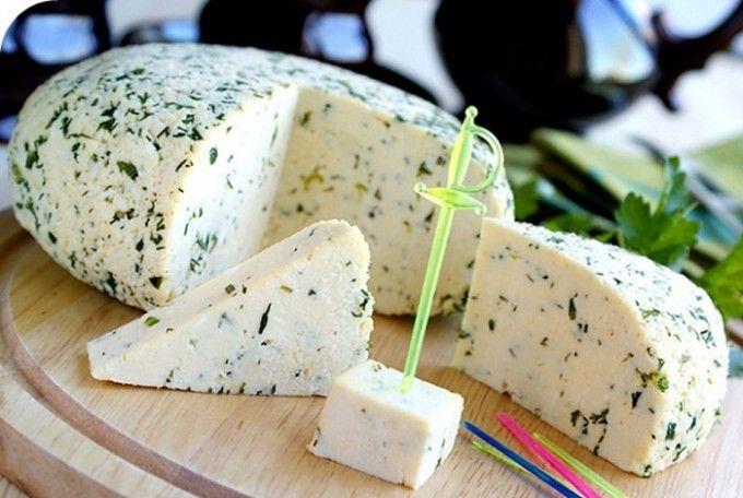 Domácí sýr s bylinkami | NejRecept.cz
