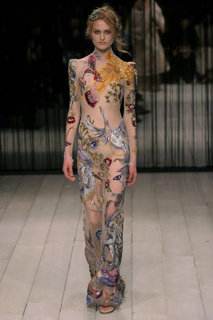 Alexander McQueen   Ready-to-Wear - Autumn 2016   Look 39