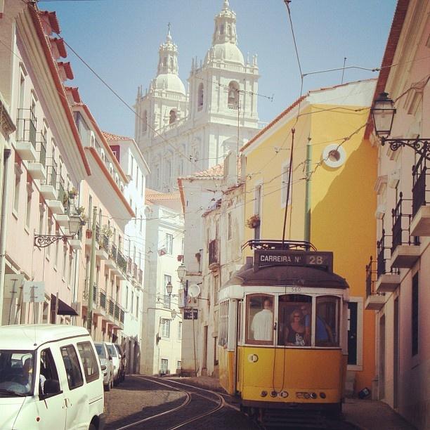 #alfama #tram #lisbona#lisbon#lisboa