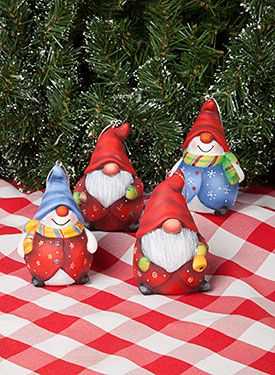 Festive Fellas by MaryJo Tuttle. Exclusive resin surface and Free Downloadable pattern available at www.ArtistsClub.com