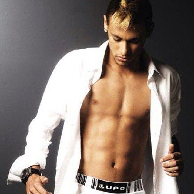 74 best neymar images on pinterest husband neymar jr and santos neymar lupo voltagebd Images