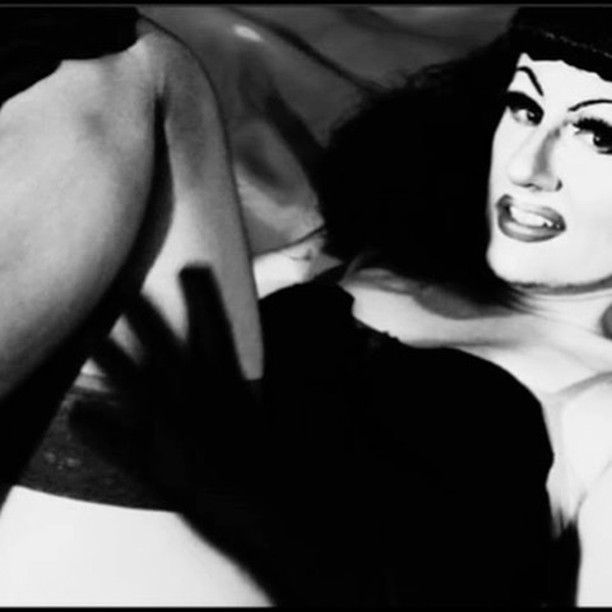 #ladonnarama #bettiepage #drag #dragqueen #50s #1950s #pinup #queer #qwerrrkout #ootd #lgbt #lgbtq #musicvideo