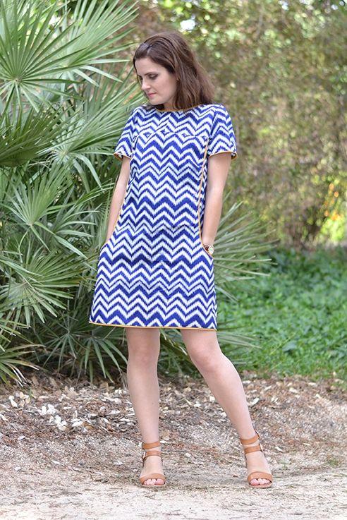 robe trapèze courte, inspiration années 60, avec manches courtes, patron de couture