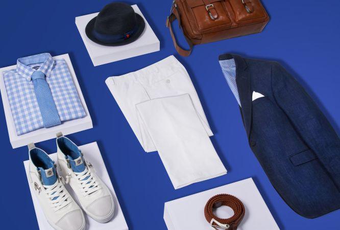 Leinen fürs Business: Der sommerlich leichte Look wird in edlen Blautönen zu Weiß gestylt. Farblichen Kontrast liefern der Flechtgürtel und die Umhängetasche in Cognacbraun.  Durch die weiße Leinenhose und die hellen Ledersneakers erhält das gesamte Outfit eine sportive Note. Das Sakko hochkrempeln und die Hosenbeine umschlagen, schon kann's mit diesem Leinen-Look auch zur Afterwork Party gehen.