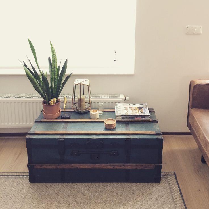 Koffietafel^^ Indische kist van oma is nu een prachtige koffietafel