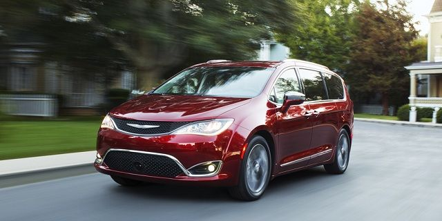 2018 Chrysler Pacifica has delivered a huge splash in automobile sector.
