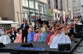 Znalezione obrazy dla zapytania johann strauss orchestra linda custers