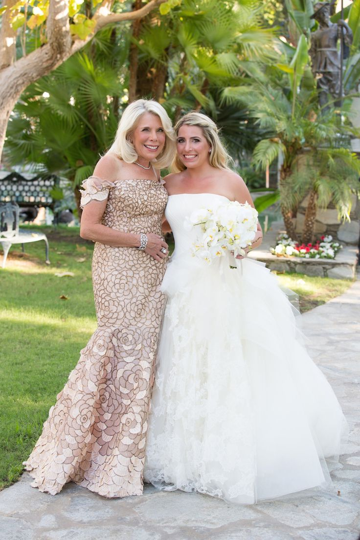 148 best mothers 39 gowns images on pinterest mom mothers for Best outdoor wedding dresses