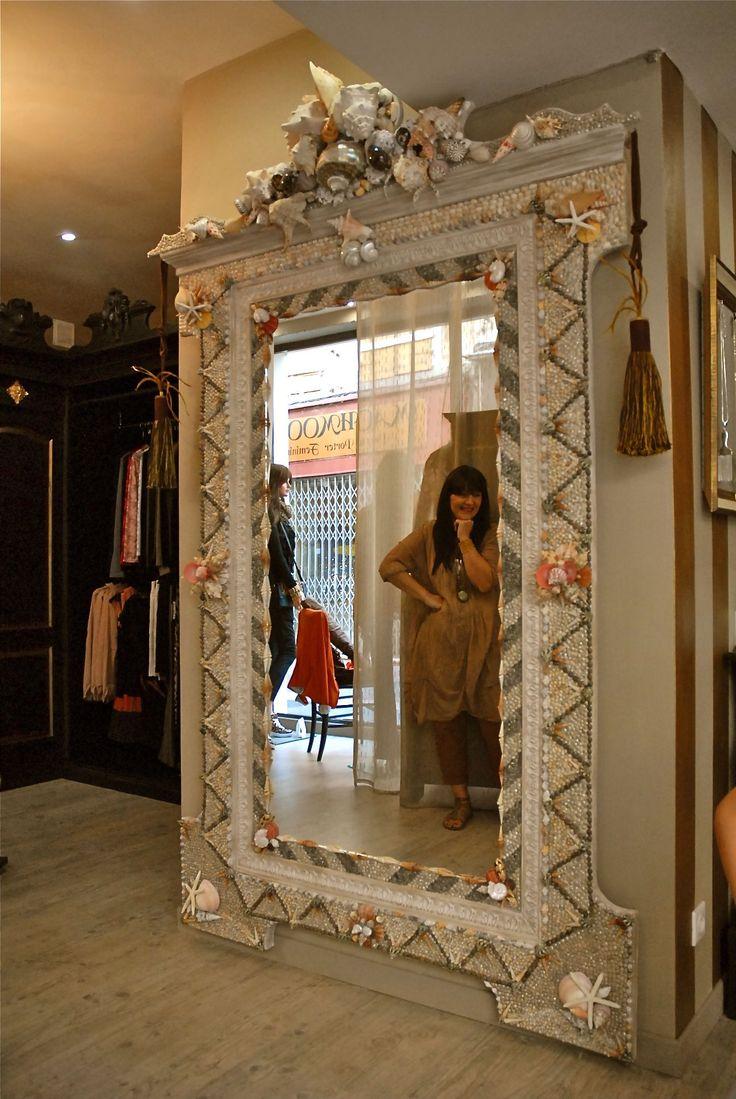 Grand miroir mosaique de coquillage creation le grenier du for Mosaique miroir