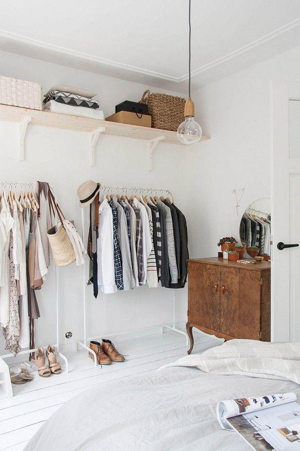 Rustige slaapkamer met Scandinavische uitstraling.