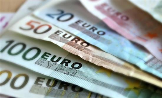 Real.gr ΕΚΤ: Οι τράπεζες δεν πρέπει να εμποδίζουν τους πελάτες τους από τη χρήση μετρητών