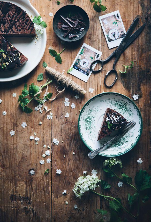 Call me cupcake: Vegan no bake chocolate mousse cake