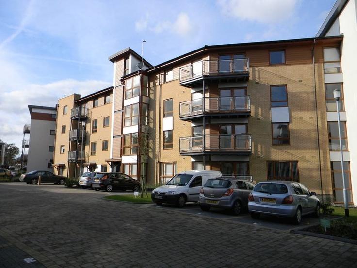 Monthly Rental Of £775  1 Bedroom Upper Floor Flat Flat - Commonwealth Drive, Crawley, West Sussex, RH10 1AJ Estate Agents