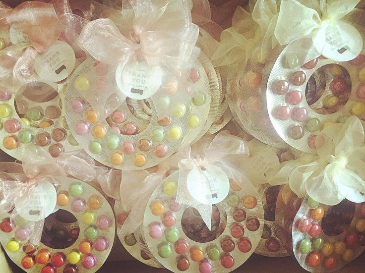 結婚式二次会におススメの「駄菓子・お菓子」のプチギフトまとめ | marry[マリー]