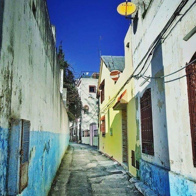 الرابع عشر من مارس آذار مشهد من شوارع طنجة في المغرب Ouchen Zack Paris Instagram Road