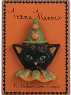 Halloween black cat - Teena Flanner Pin via Harpers Hollow