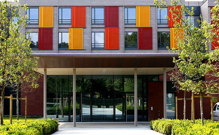 Centre de séminaires du CIC - Verrières-le-buisson (91)  Architecte : Ateliers AFA Architecture-Urbanisme (Fainsilber et Associés), Paris (75)  Entreprises : Etudes et pose FIC, FMA Photos : Philippe Hurlin  Solutions WICONA utlisées : WICSTYLE 50E 1 ou 2 vantaux Droits Réservés WICONA