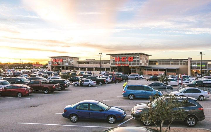 Stream Realty Partners Sells Retail Center in Pearland, TX