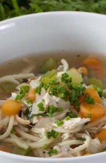 Chicken Noodle Soup | Farmhouse Direct #FarmhouseAU #dinnerideas #dinnerrecipe #soup #souprecipe #chickennoodlesoup #foodie