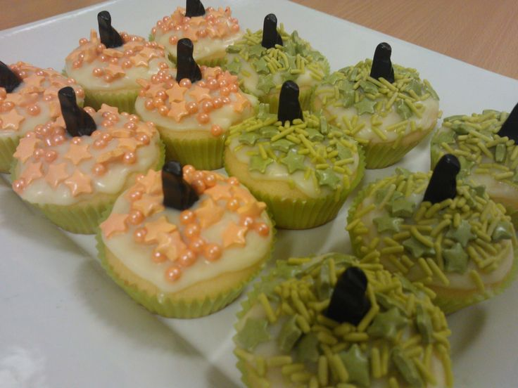 October 2013 - vanilla cupcakes with white chocolate ganache, sprinkles and lollies