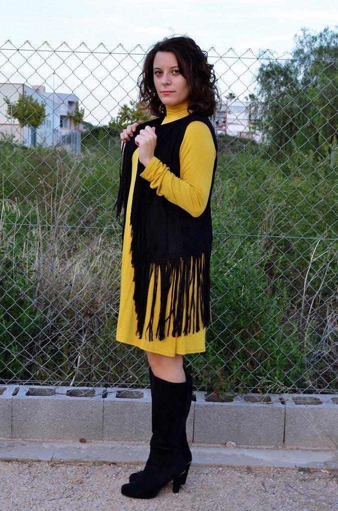 Mustard & Fringed vest - Mi Vestido Azul  Fashion and Lifestyle Blog   Spanish bloggerMi Vestido Azul  Fashion and Lifestyle Blog   Spanish blogger