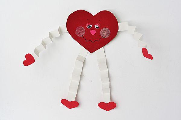 Valentine Hugs for Preschoolers - Crafts by Amanda