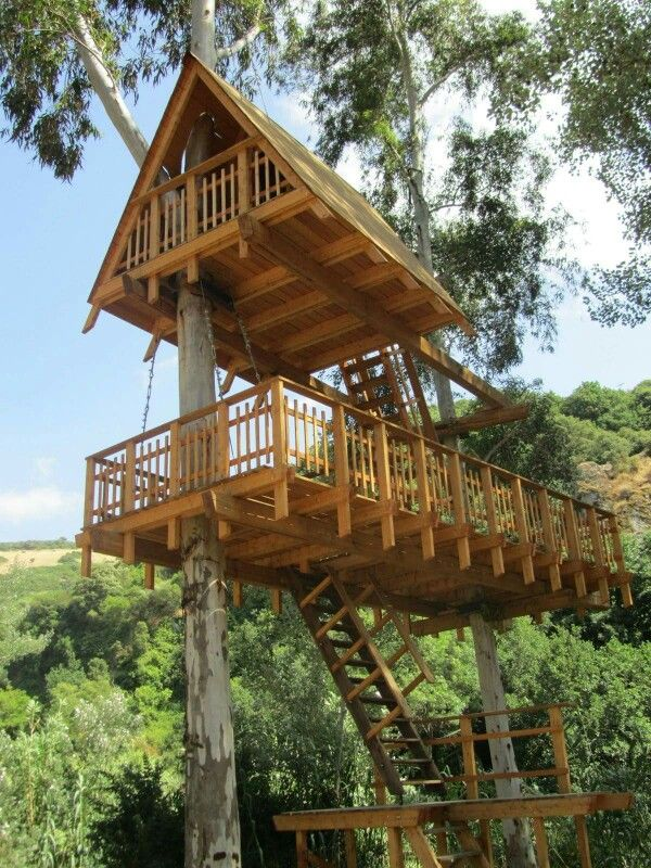 443 best treehouse images on pinterest tree houses treehouses and arquitetura. Black Bedroom Furniture Sets. Home Design Ideas