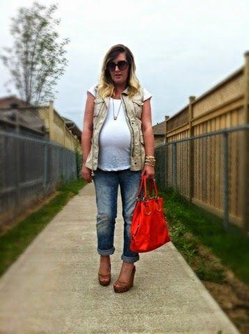 Before the Rain | Liv.vie In Love Safari vest, white tee, boyfriend jeans, wedges, and a bright orange tote. Maternity style, maternity fashion, pregnancy style, pregnancy fashion, baby bump style, baby bump, 36 weeks, ootd, wiwt, blogger, fashion stylist