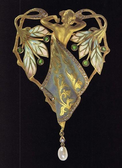 Art nouveau pin by Catalonian jewelry maker Lluís Masriera.