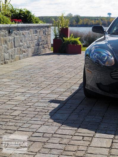 Protection des pavés de béton avec un scellant hydro-oléofuge
