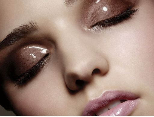 glossy neutral eyes and lips