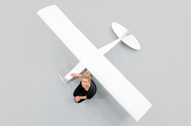 Pappersflygplan - Anna Poijo